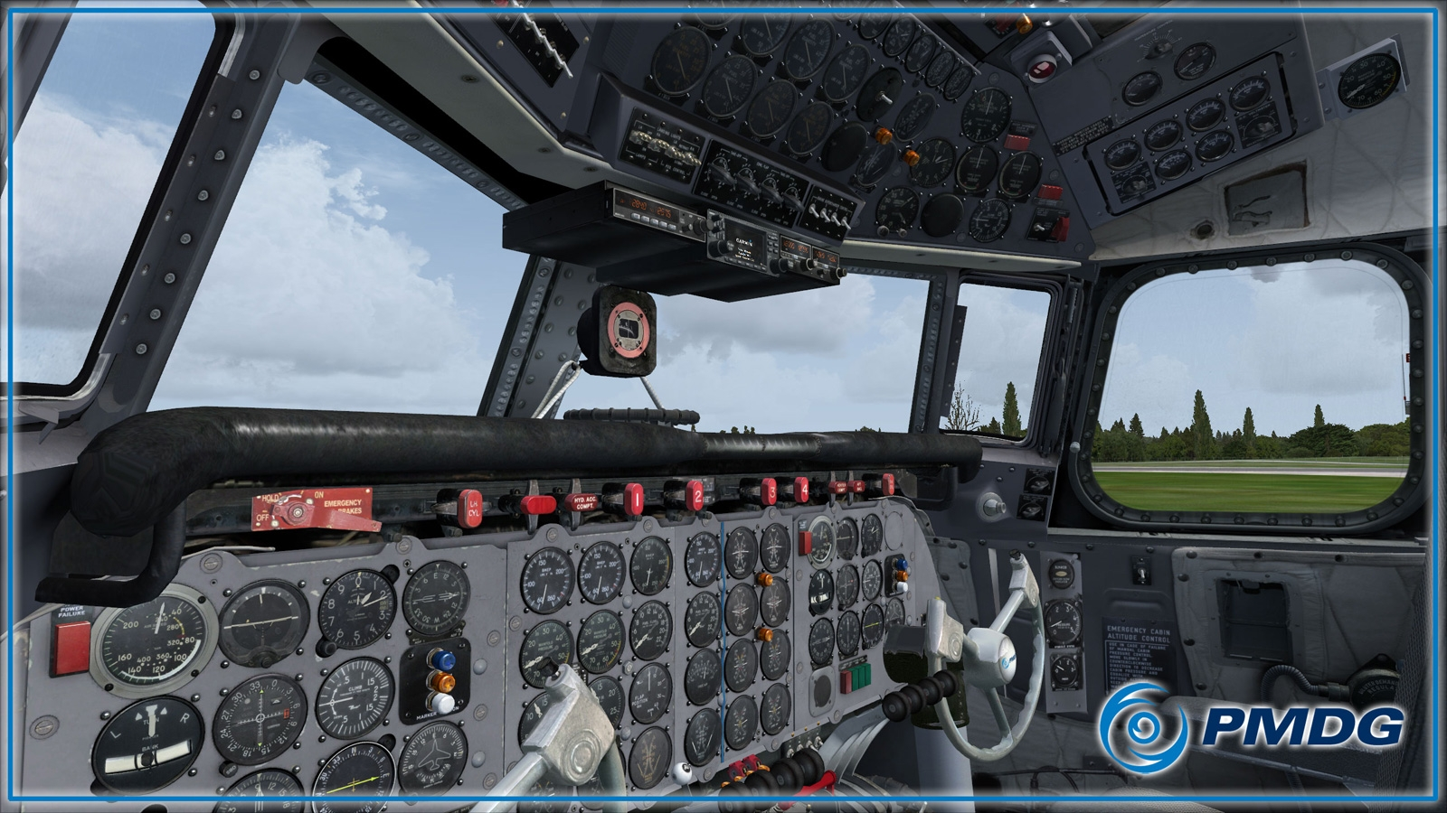 PMDG_DC6_Virtual_Cockpit_06.jpg