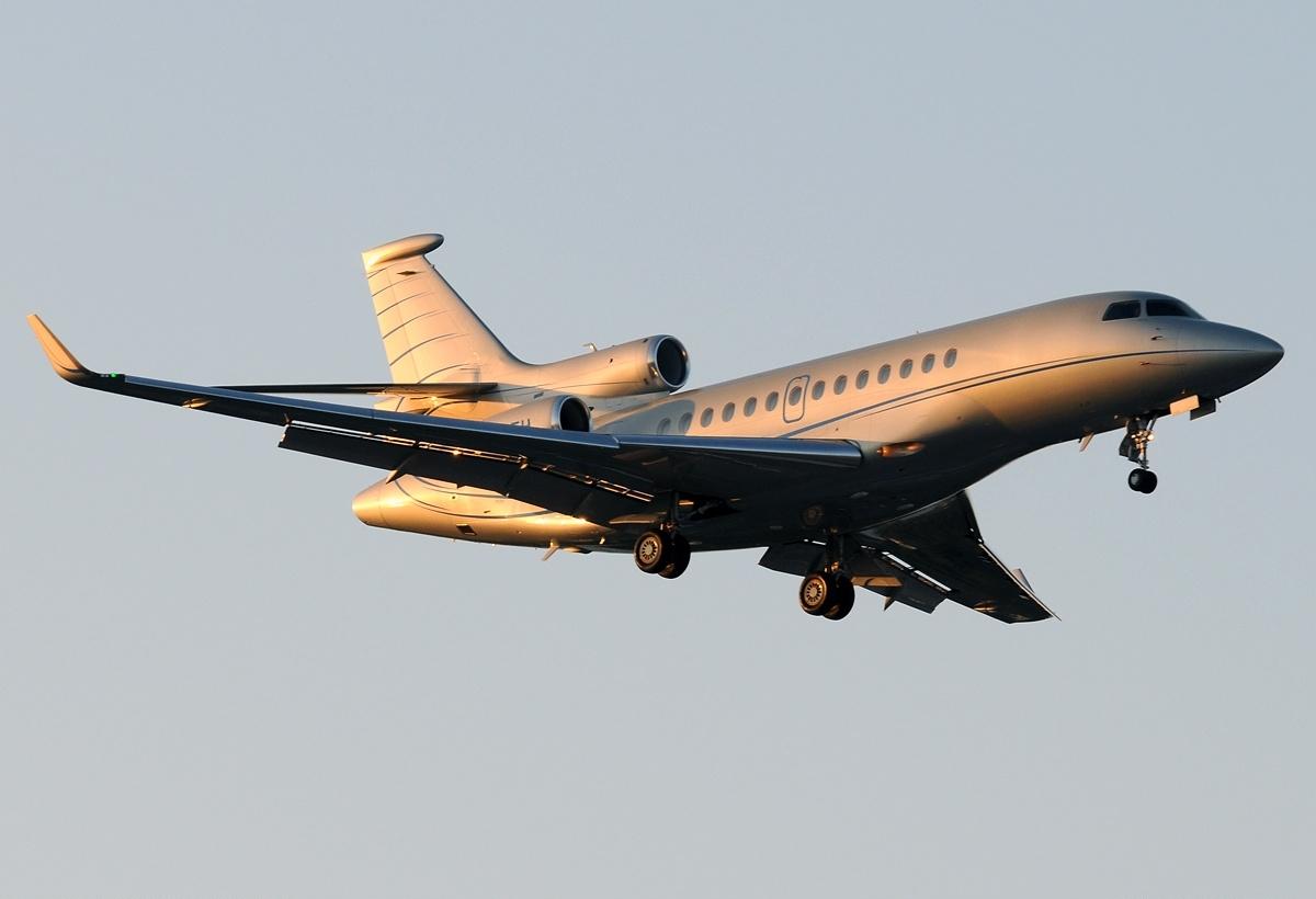 Dassault_Falcon_7X_AN1852800.jpg&f=1