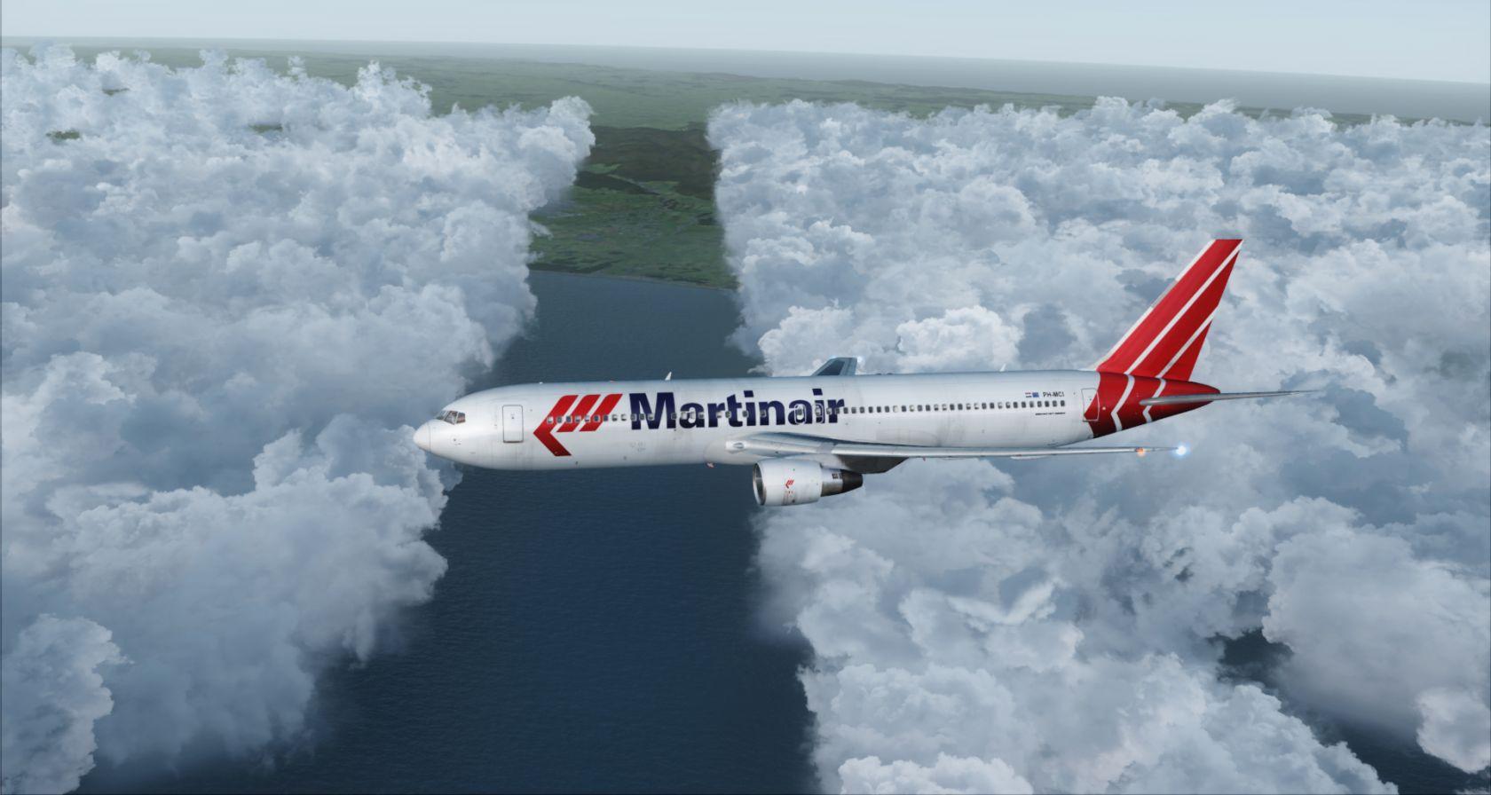 Martin Air 767  1